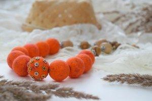 Бусы из шерсти оранжеве намисто валяне коралі помаранчеві  - Опис