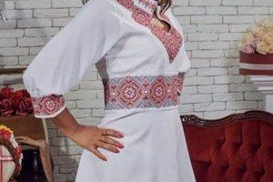 Плаття жіноче з вишивкою
