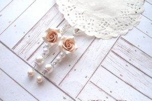 Довгі сережки з перлами - Опис