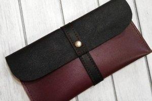 Кожаный стильный клатч ручной работы - Опис