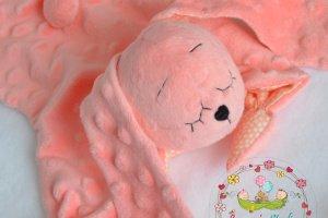 Коралловый зайка комфортер. Игрушка для малышей. - Опис