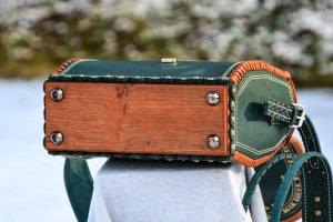 чемодан - Описание