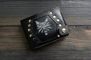 Портмоне з вовком ′Witcher′ (чорне) - Опис