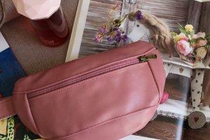 Робота Поясная сумка 051 pink. Натуральная кожа. Ручная работа.