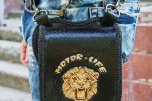 Робота Кожаная поясная сумка с логотипом (для примера)