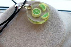 Кулон з лимоном - Опис