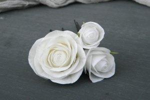 Робота Шпильки для волосся з білими трояндами, Шпильки з квітами