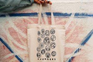 "Дизайнерська сумка-шопер """" Avengers """" - Опис"