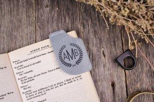 Робота Іменна книжкова закладка-куточок з натуральної шкіри