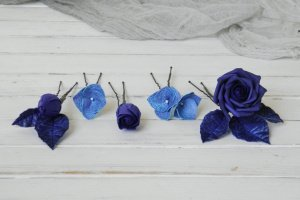 Набор шпилек для волос с синими цветами роз и гортензии  - Опис