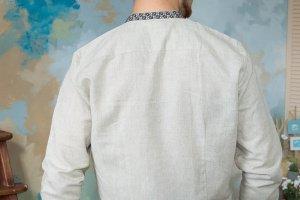 Вышиванка бежевого цвета - Описание