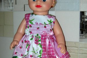 Набір красивого одягу для ляльок Аліни в рюкзаку. - Опис