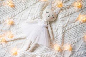 Текстильна киця  (біла) - Опис