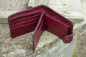 Кошелек женский кожаный маленький марсала бордо тиснение - Опис