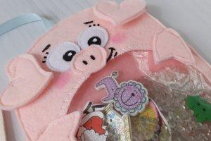 Іграшка іскалка з фетру свинка. Рожевий порося. Хрюшка. - Опис