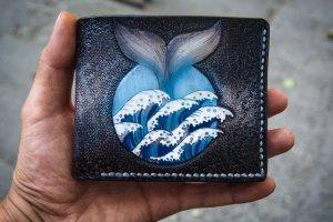 Шкіряний гаманець хвіст кита