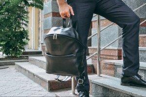 """Чорний шкіряний чоловічий рюкзак для міста """"Матрикс"""""""