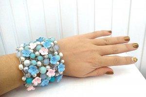Широкий браслет с цветами и жемчугом  - ІНШІ РОБОТИ