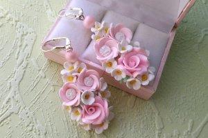 Робота Серьги с розами и цветами