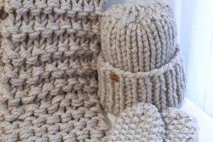 Комплект шапка, шарф і рукавиці з товстої вовняної пряжі - ІНШІ РОБОТИ