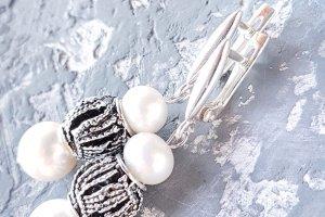 Робота Срібні сережки з натуральними білими перлами №105