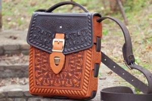 Робота Сумка рюкзак шкіряна коричнева з орнаментом