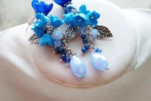 Робота Сережки з синіми квiтами