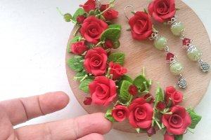 Браслет и серьги с красными розами - Описание