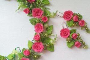 Кольє і сережки з малиновими трояндами - ІНШІ РОБОТИ
