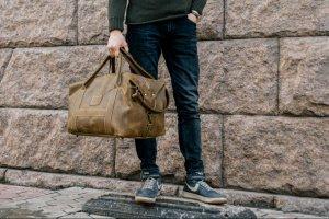 Робота Шкіряна спортивна сумка оливкового кольору