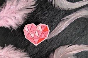 Брошка ніжне рожеве Сердечко - Опис