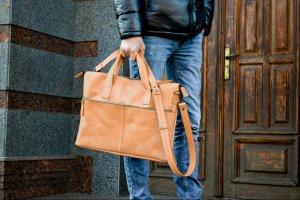 Робота Шкіряна чоловіча сумка для ноутбука коричнева