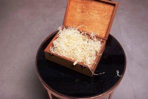 Дерев'яна подарункова упаковка,  для подарунків - Опис