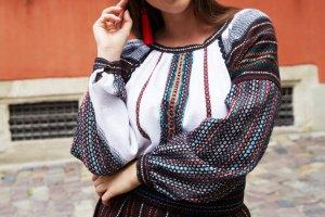 Сорочка багряна