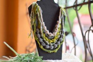 Намисто весняне, пишні буси, етно зелені коралі, подарок