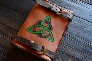 Шкіряний блокнот з кельтським трискеліоном (коричневий) - ІНШІ РОБОТИ