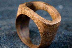Робота Перстень з дерева унісекс