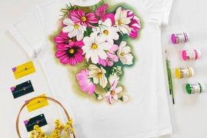 Робота Ніжна квіткова футболка з ручним розписом