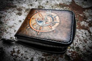 Шкіряний гаманець на блискавки з якорем - Опис