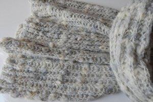 Робота Свiтло-сiрий шарф з альпаки