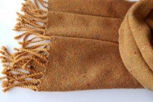 Робота Тканий гірчичний твідовий шарф