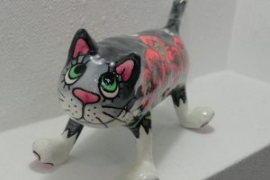 Іграшка папє-маше Котик в маках
