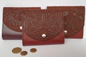 Шкіряні жіночі гаманці коричневі