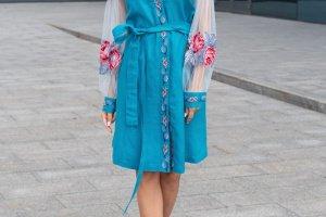 Робота Сукня з вишивкою і фатином на рукавах