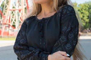 Жіноче плаття з вишивкою гладдю - ІНШІ РОБОТИ