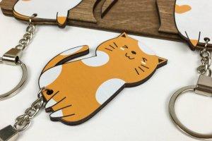 Оригінальна дерев`яна ключниця з милими котиками - Опис