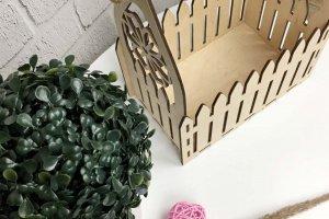 Подарункова дерев`яна корзинка для квітів - Опис