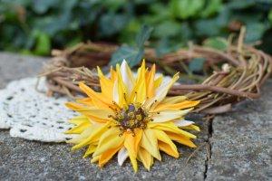Робота Брошка сонях, жовта квітка, заколка квітка жовта,подарок