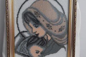 Діва Марія із сином - картина вишита бісером вручну - ІНШІ РОБОТИ