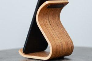 Дерев'яна  підставка для телефону •Sign•Daniellia - Опис